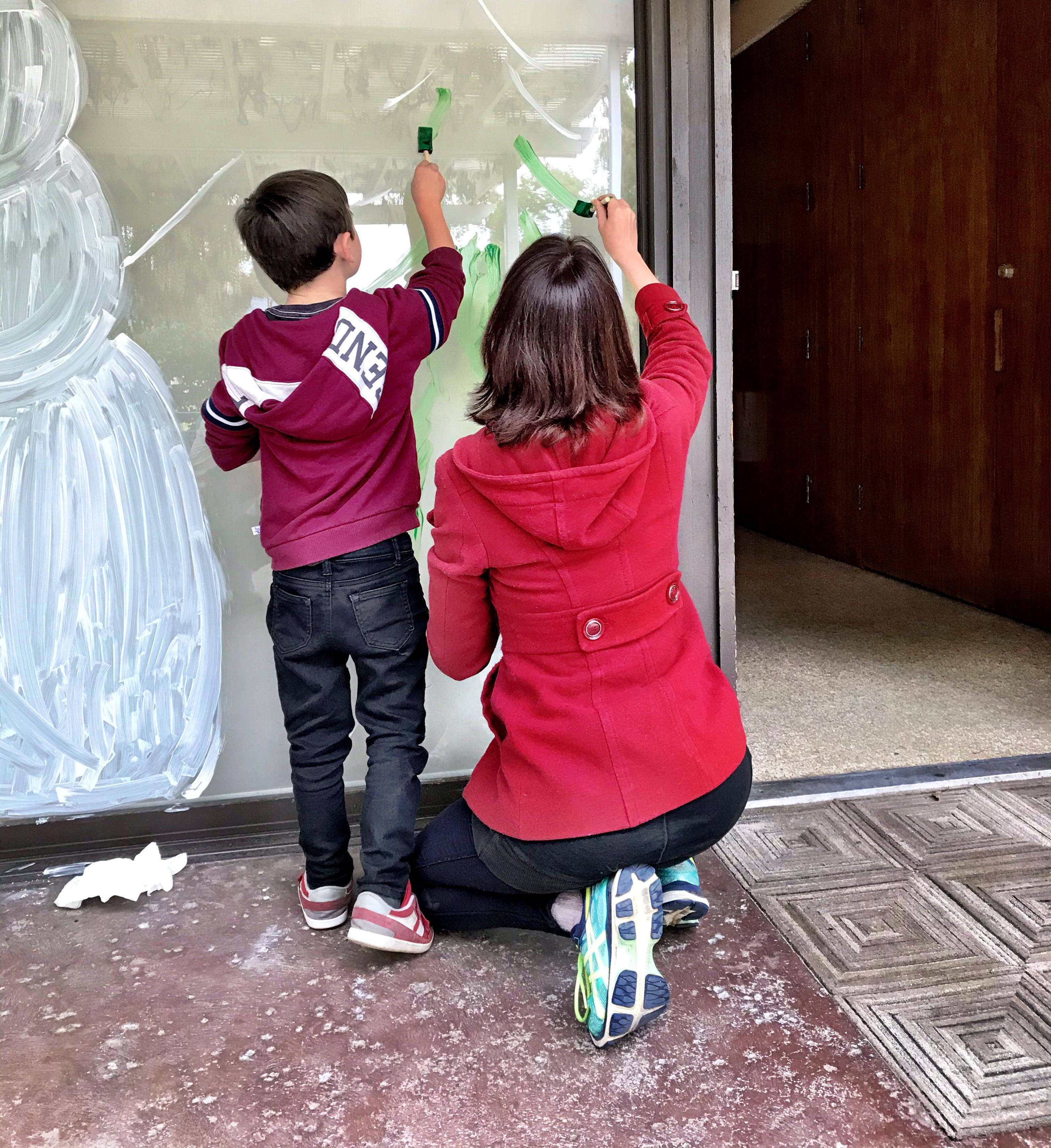 Winter Service Day Volunteers Deck the Halls at David & Margaret