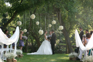 Plan your wedding at the Arboretum