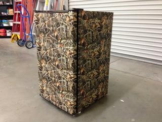 Camouflage vinyl refrigerator wraps