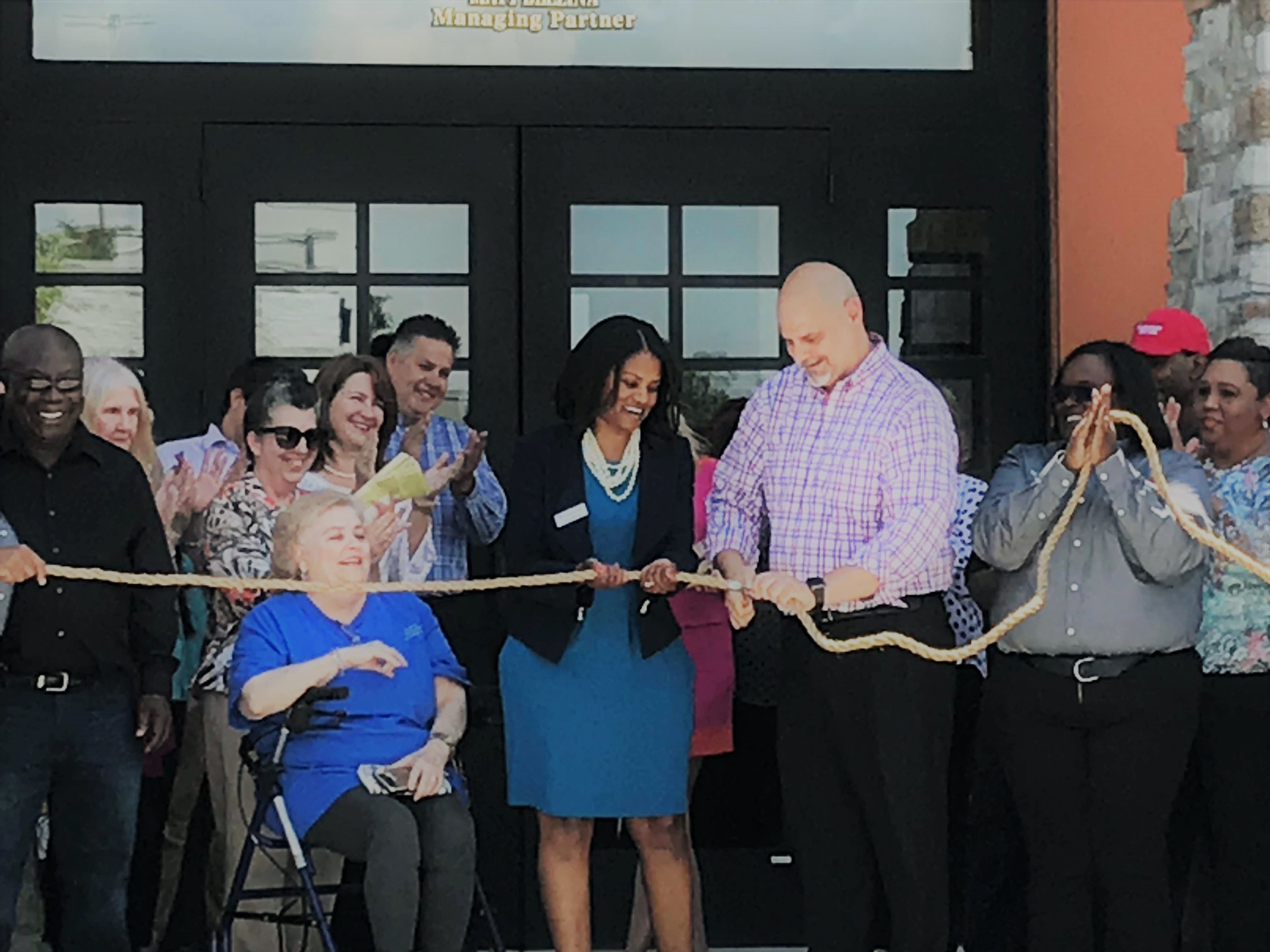 LongHorn Steakhouse Opens in Baton Rouge