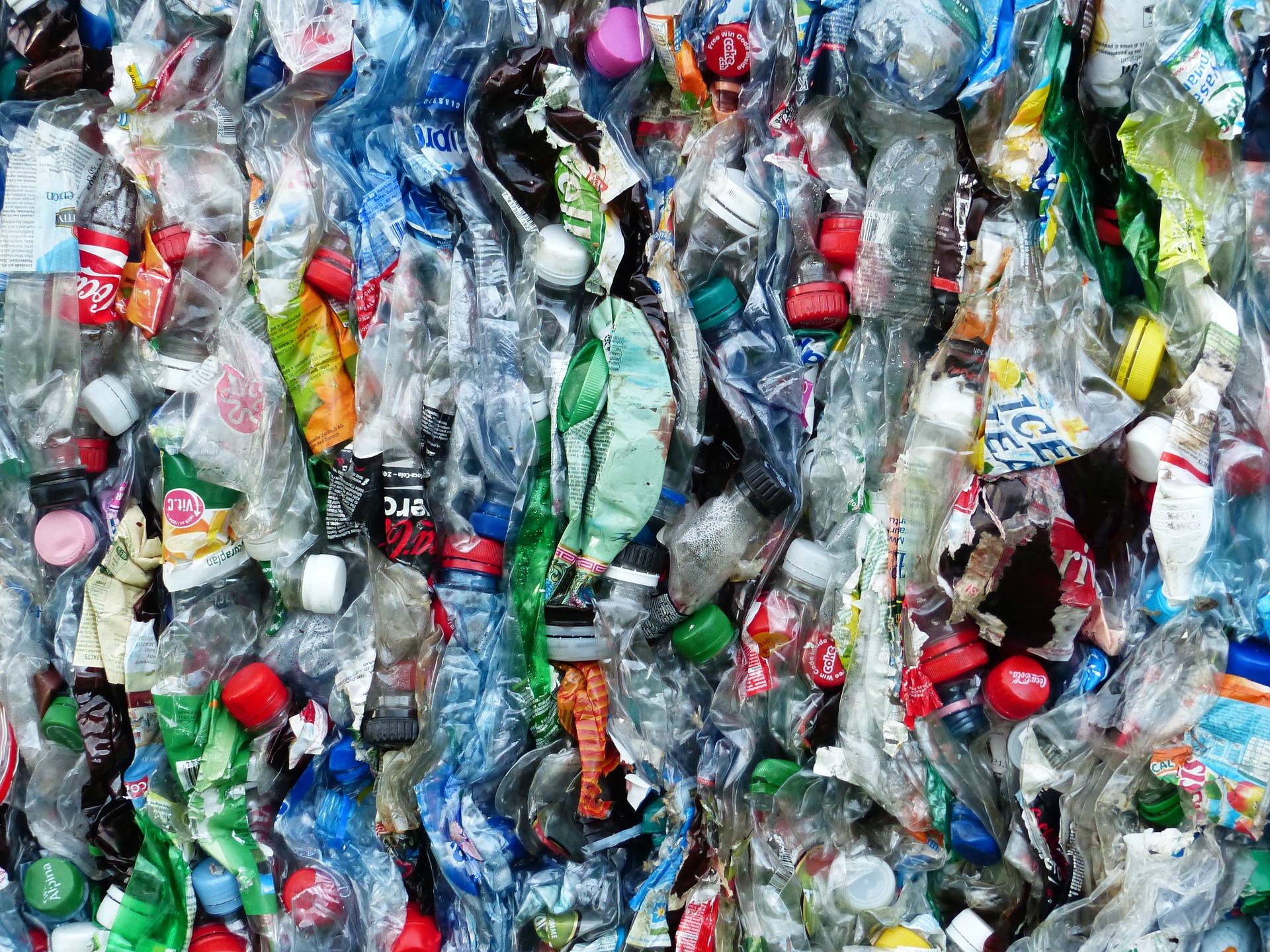 Plastics Tax Eyed in Litter Crackdown