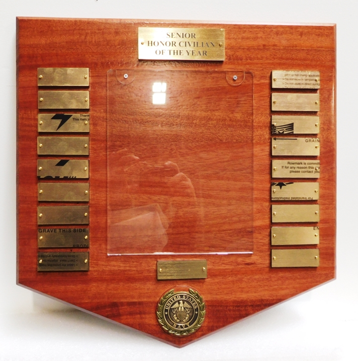 WM1243 - US Navy Awards Plaque the Senior Honor Civilian of the Year, Mahogany with Engraved Brass Tags and Photo