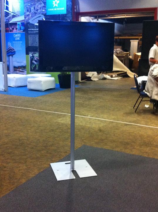 TV / Pedestal