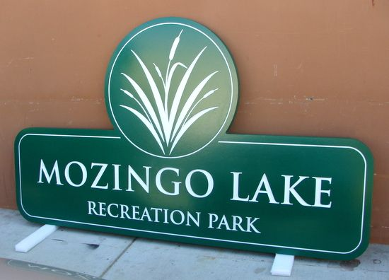 G16308 - Sign for Lake Recreation Park with Cattails
