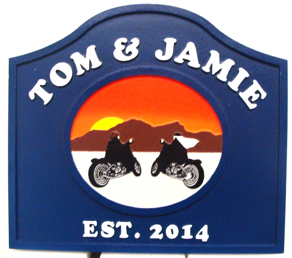 M22954 - Carved HDU Desert Sign with Two Motorcycles