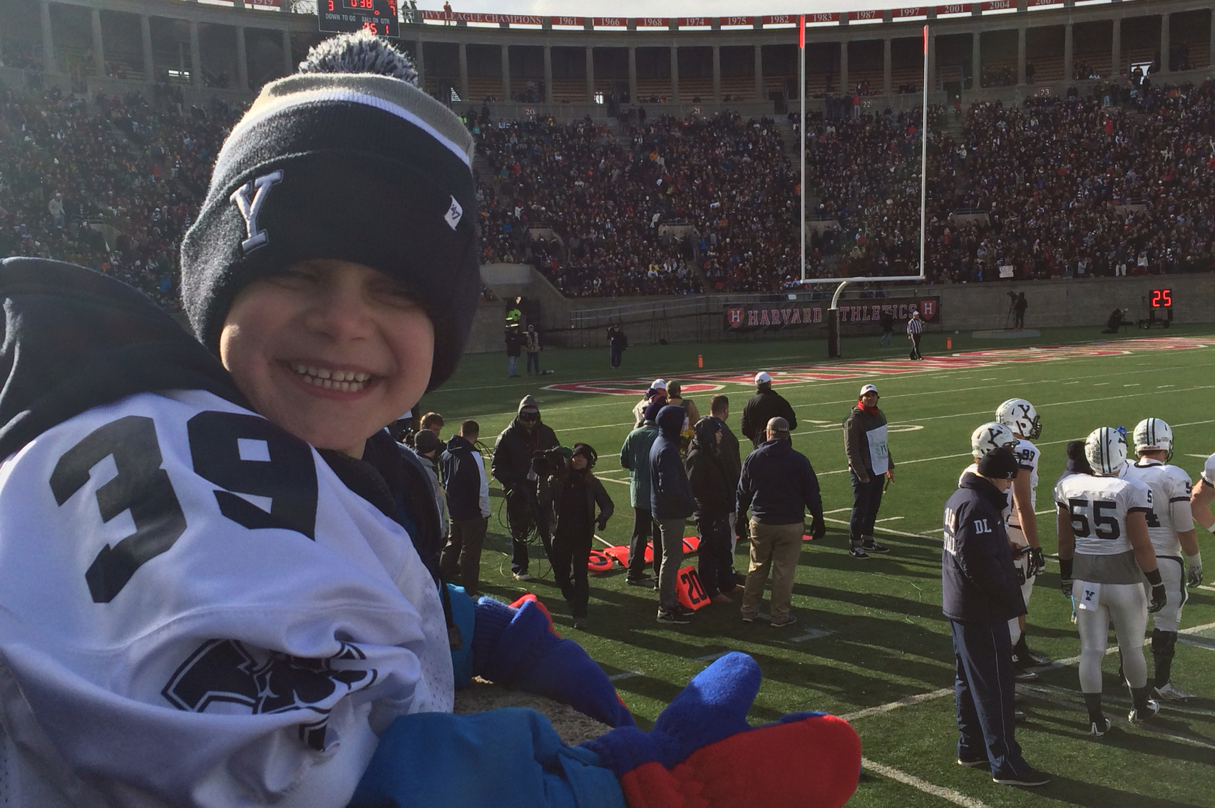 Yale Finds Strength in 6-year-Old Dante