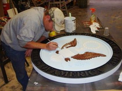 Hand-painting Great Seal of America