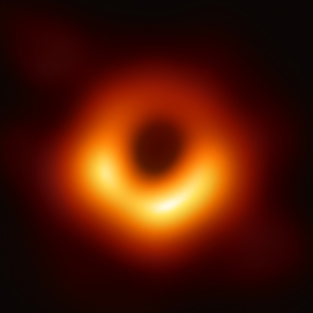 Lifting the Curtain: This Is What a Black Hole Looks Like