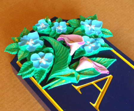 M2083 - Closeup of 3D Carved Flowers (Gallery  28A)