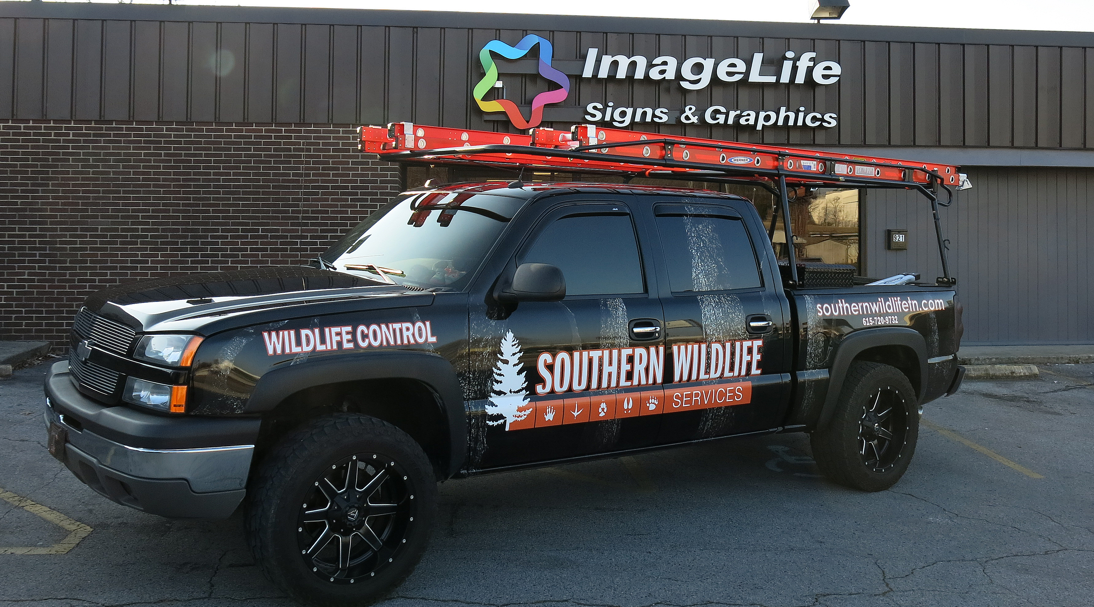 Vehicle Graphics and Lettering