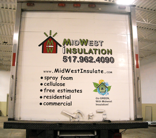 Full color logo print. Box truck vinyl lettering.