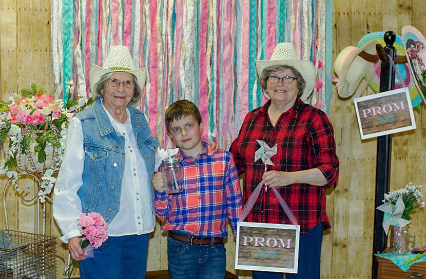 GracePointe Prom Celebrates Seniors