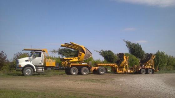 Eagle Nursery, LLC : Services : Hourly Work : Tree Spading