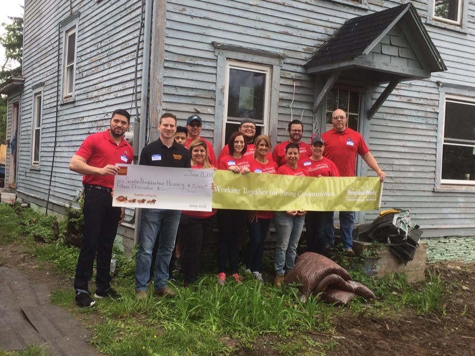 Wells Fargo Brightens Up Neighborhood