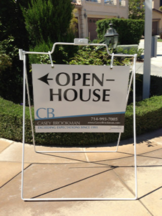 Types of residential real estate signs