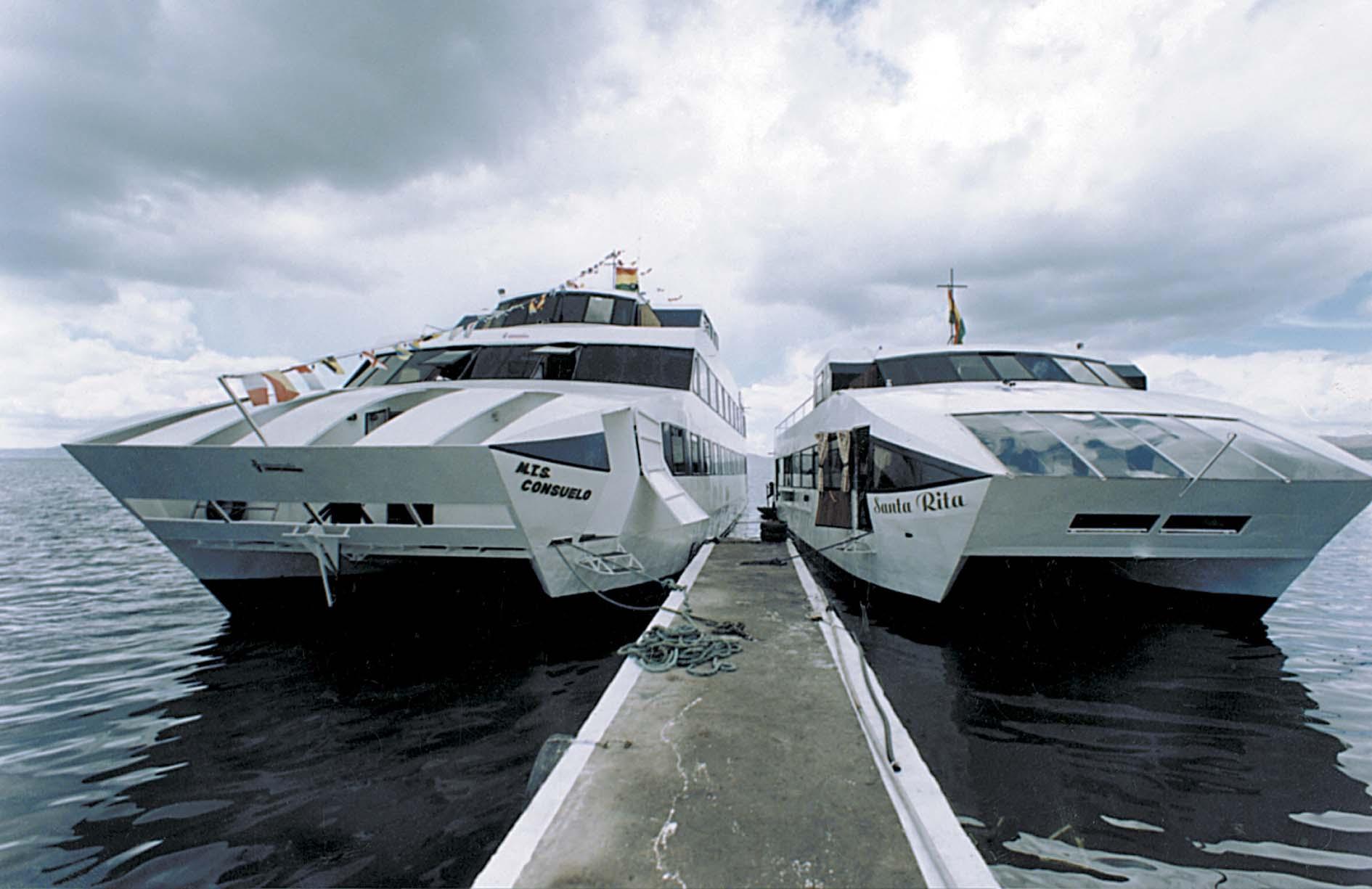Catamaran Cruise-Ship