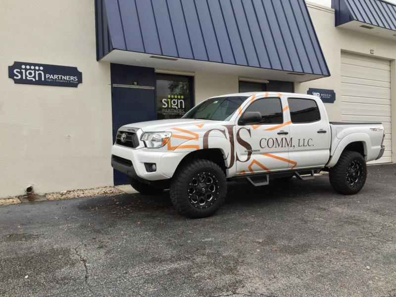 Vehicle Wraps & Graphics008