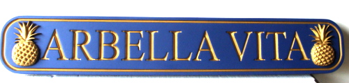 "L21870 - Quarterboard Coastal Home Sign, with Pineapples and 24K Gold-leaf Gilding ""Arbella Vita"""