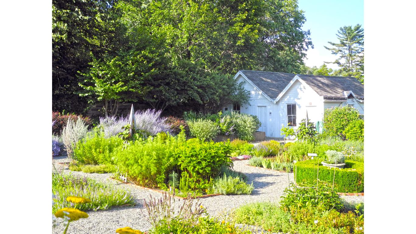 NewYork-John Jay Homestead SHS-Garden 8