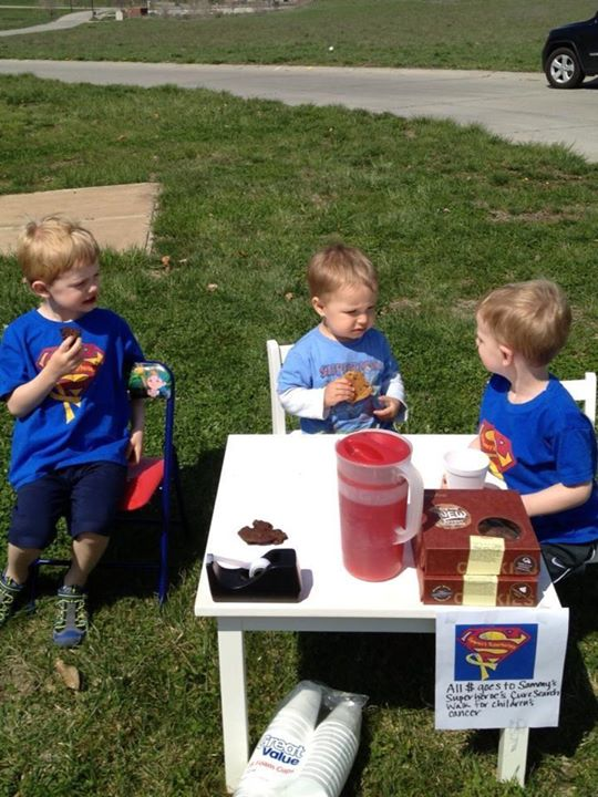 Check out these friends having a lemonade stand to raise $$ for Sammy's Superheroes CureSearch team!! Thank you McMahon's!!