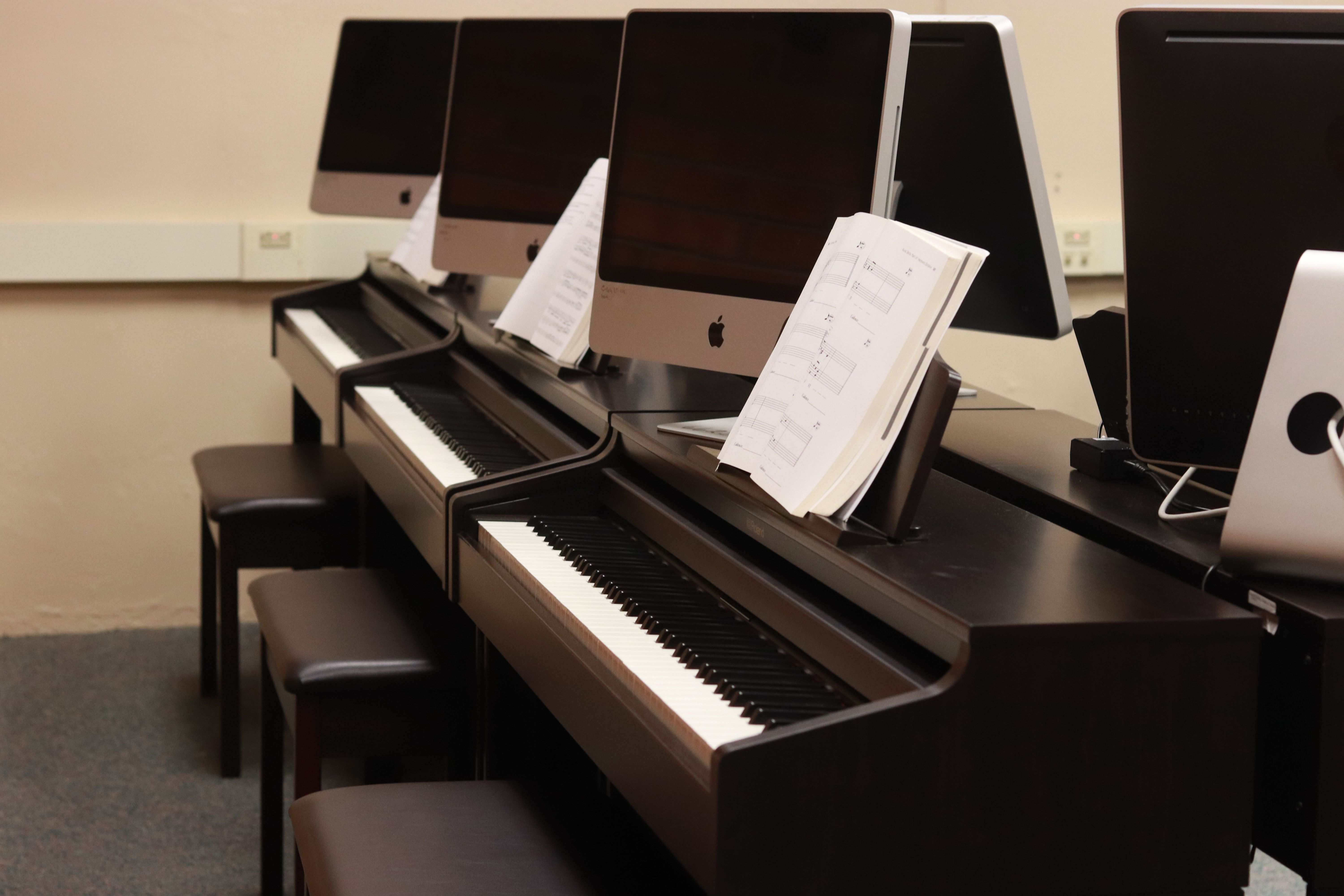 WASDEF Awards $10,381 to Support New Piano Lab at WAHS