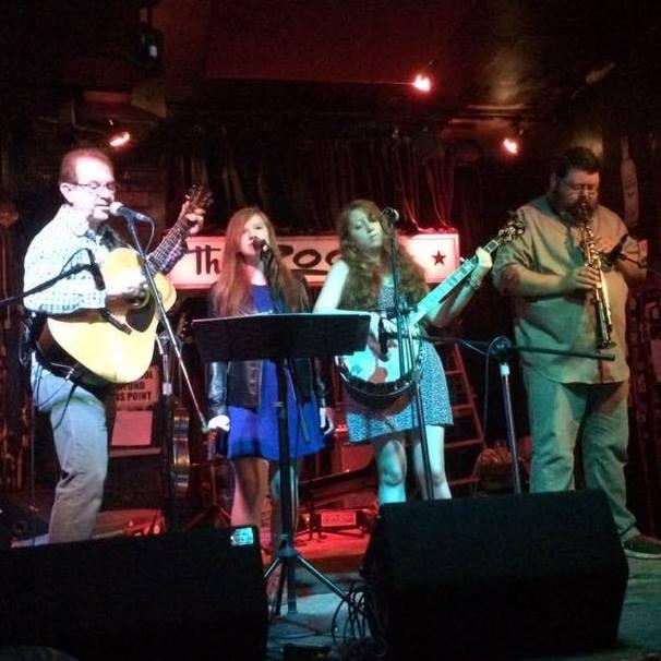 Music at the Holiday Market: Frailin' Hearts