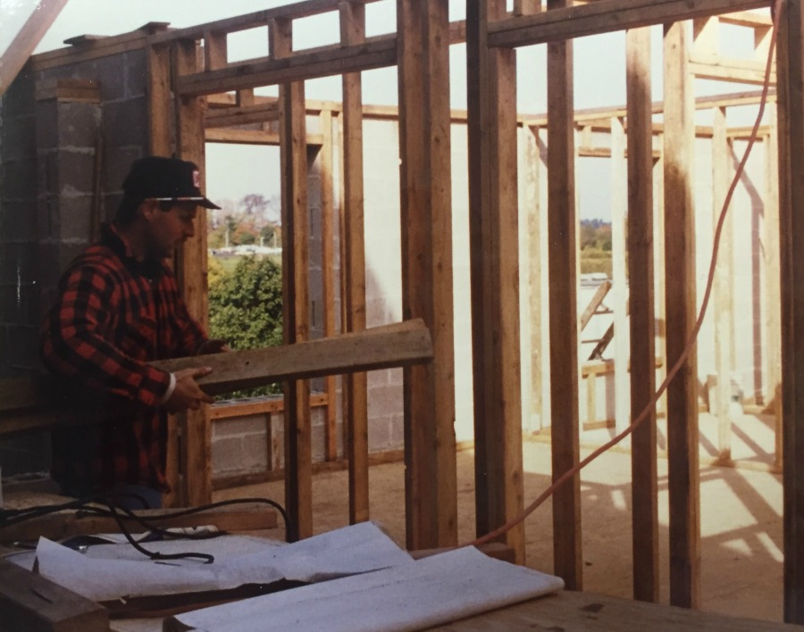 Work on AWP's 1986 shelter expansion.