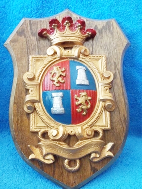 XP-2200 - Carved Shield Wall Plaque of Family Coat-of-Arms / Crest, Artist Painted with Oak Wood