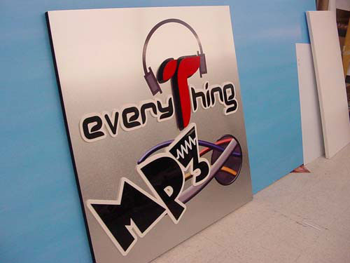 3D LETTERS ON ALUMINUM AND FOAM
