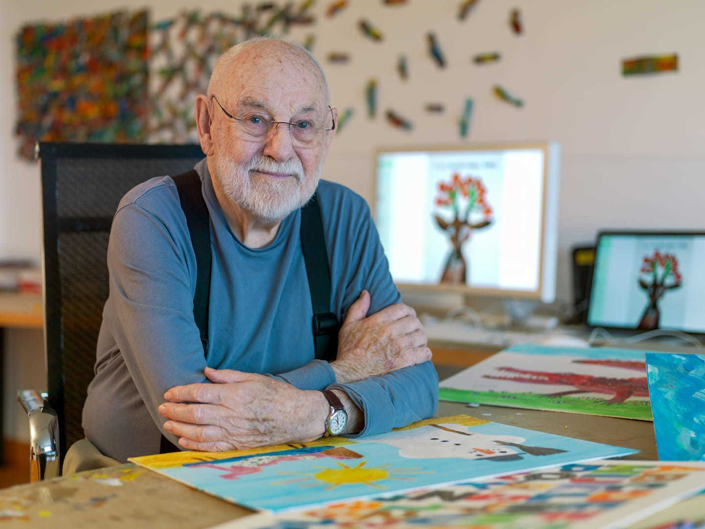 Photo of Eric Carle in his home