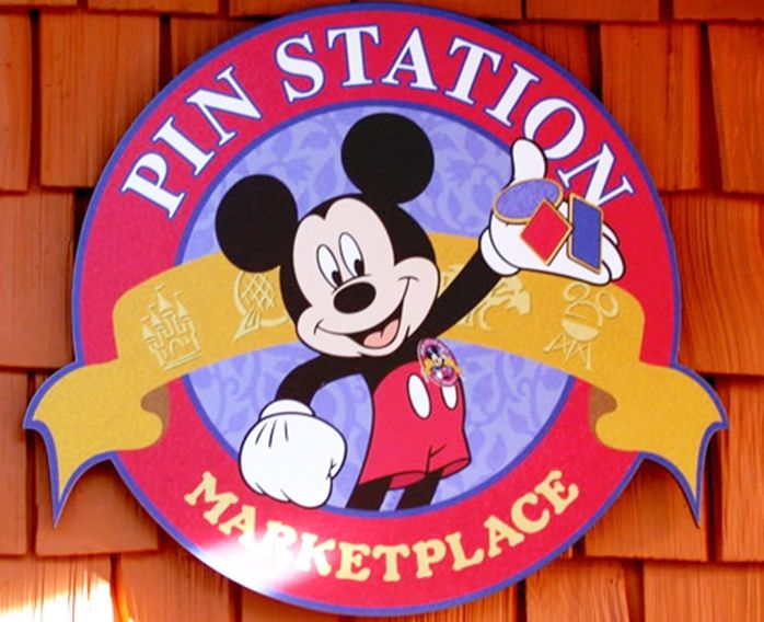 """SA28449 - carved HDU   sign for th  """"Pin Station Marketplace"""""""