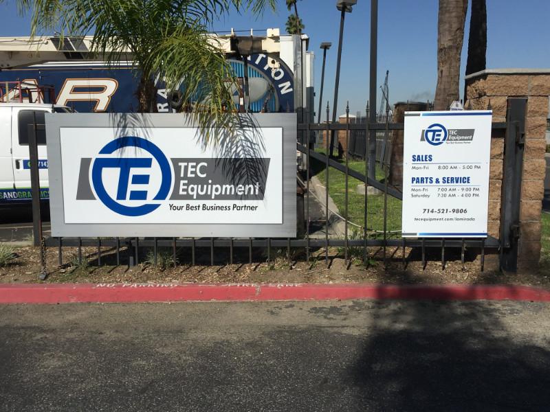 Gate Signs for Warehouses in La Mirada CA