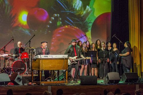 East End Arts Student Choir to Perform with The Rascals at the Suffolk Theater in Riverhead, NY (posted December 9, 2016)