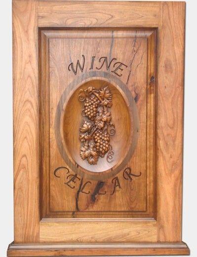 FG601 - Carved 3-D Alder Wood Wine Cellar Plaque, with Grape Cluster