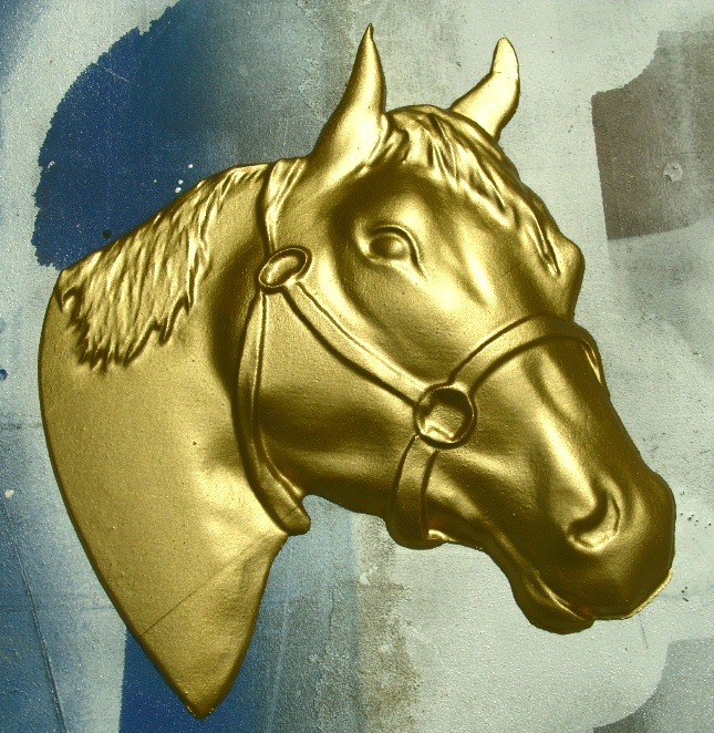 P25714 - Carved Quarterhorse Head, Metallic Gold Painted
