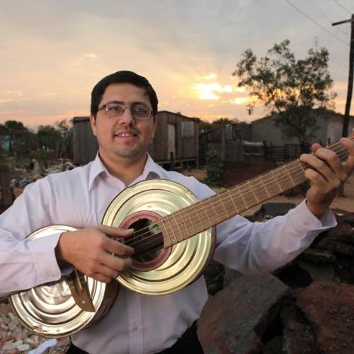 FAVIO CHAVEZ