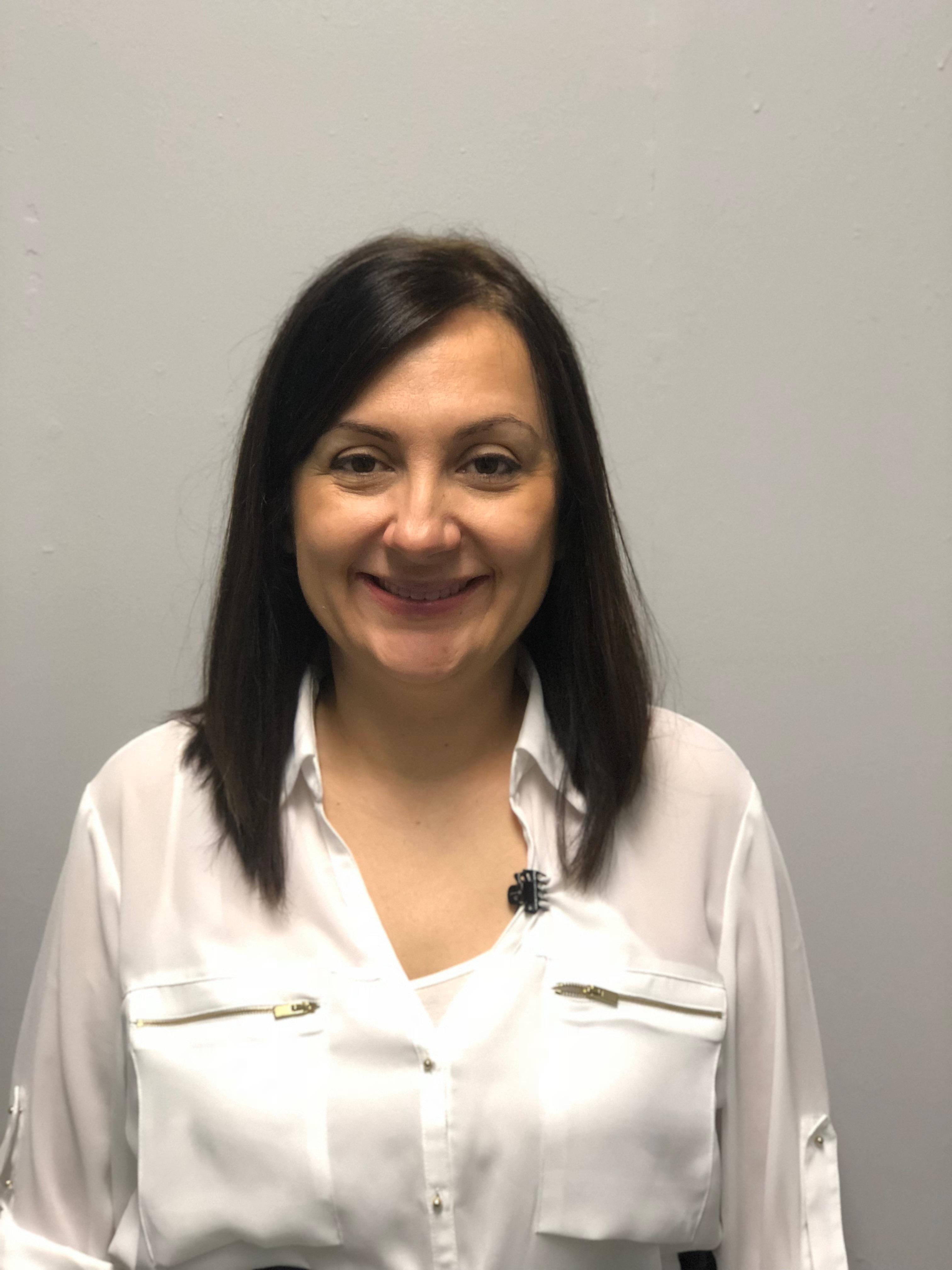 Dr Raluca Carty