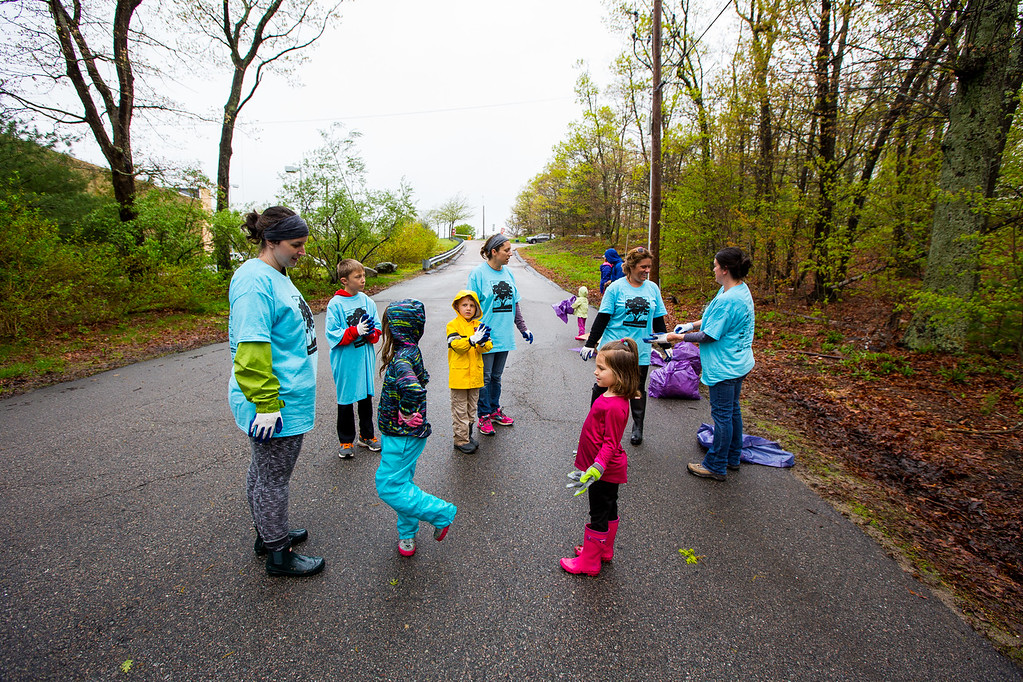 Natick Green Up Week - Coolidge Hill