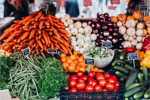 7 Reasons to Buy Food from Your Local Farmers Markets