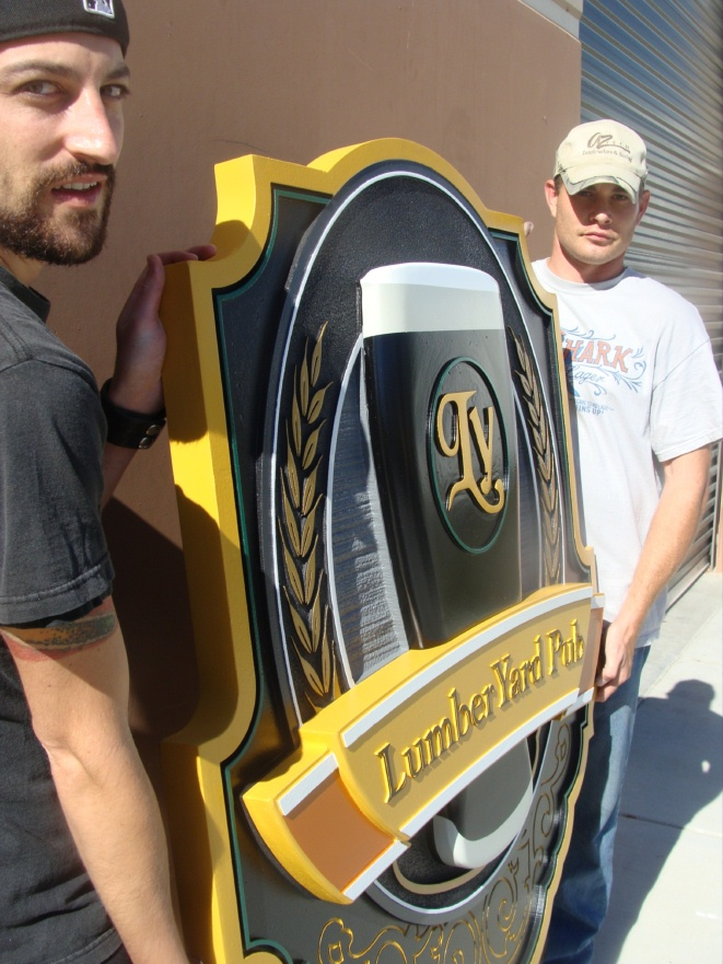 M2140 - Carved 3D Pub Beer Glass Sign (Gallery 27)