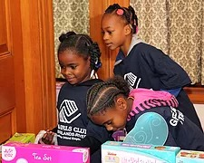 700 kids fill Burrage Mansion for Holiday Extravaganza