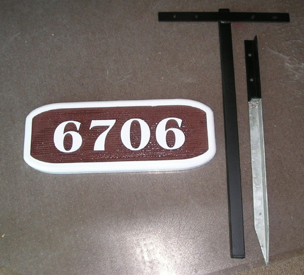 I18892 - House Address Number Sign with Ground Stake