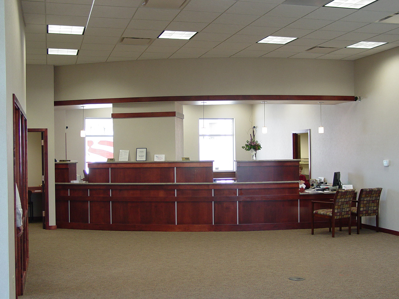 Located in Pioneers Pointe Plaza in south Lincoln American National Bank was designed for high visibility and a dynamic presence. Interior features of the ... & Architectural Design Associates : Portfolio : Financial Institutions ...