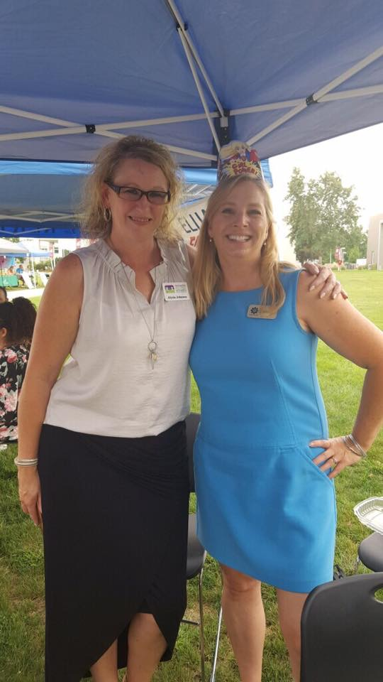 Connecting with friends at the WSU Tri-Cities Volunteer Fair