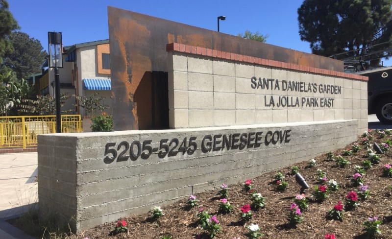 Santa Daniela's Garden