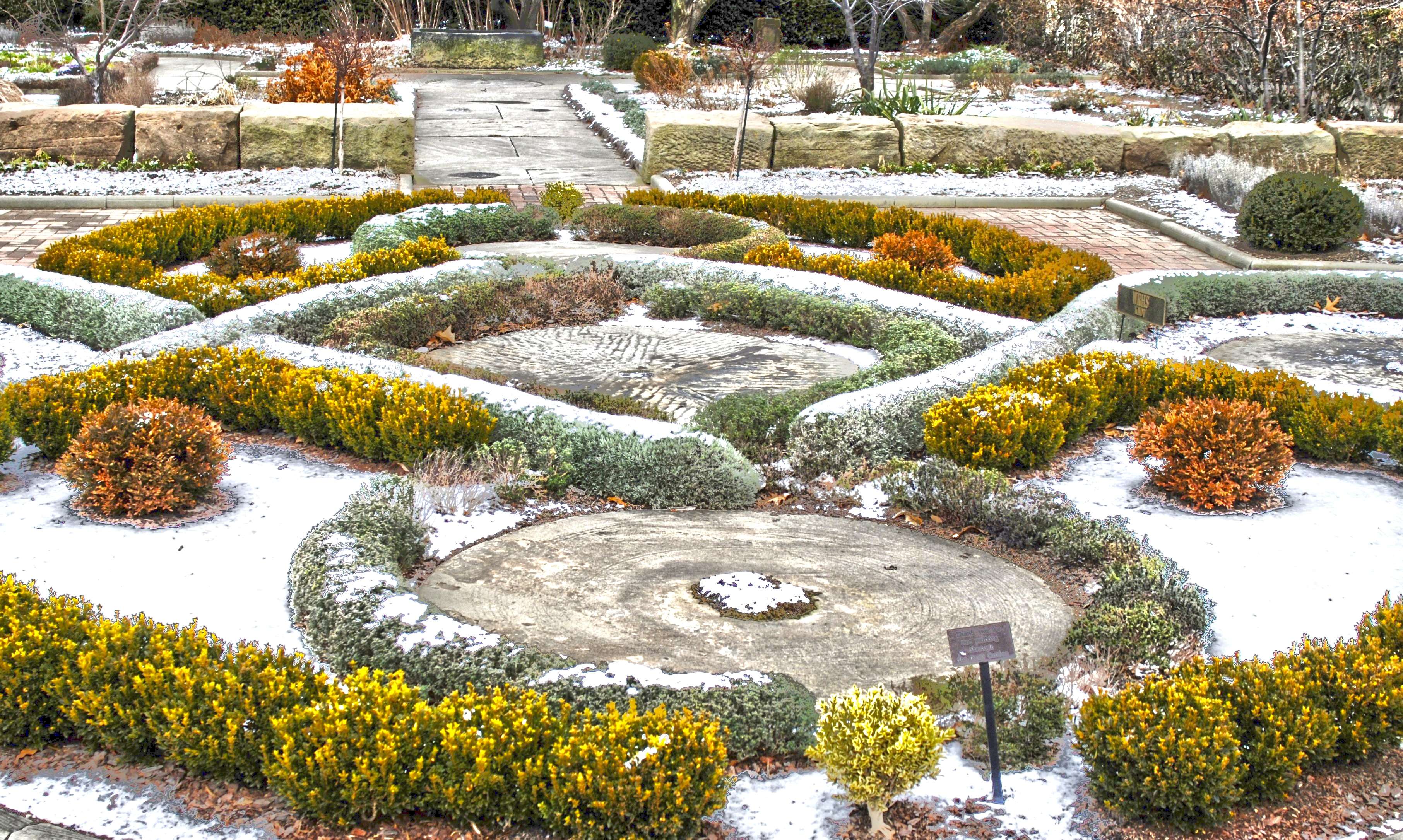 Knot and Fragrance Garden - Winter