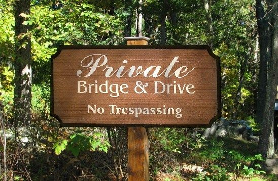 "H17110 - Carved (HDU) ""Private Bridge & Drive"" Sign , Mounted on a Wood Post"