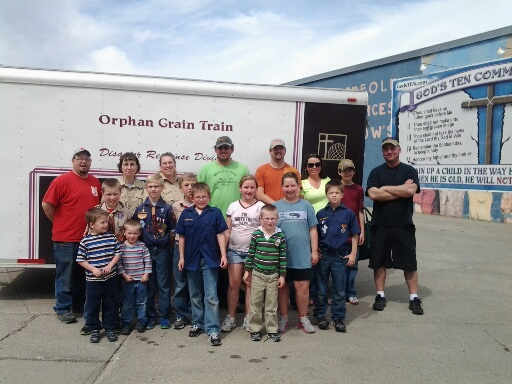 Boy Scouts Pack 124 collects food to be donated