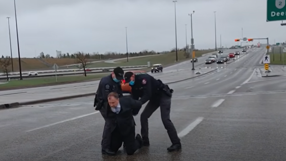 Canadian Police Arrest Pastor for Holding 'Illegal In-Person Gathering'