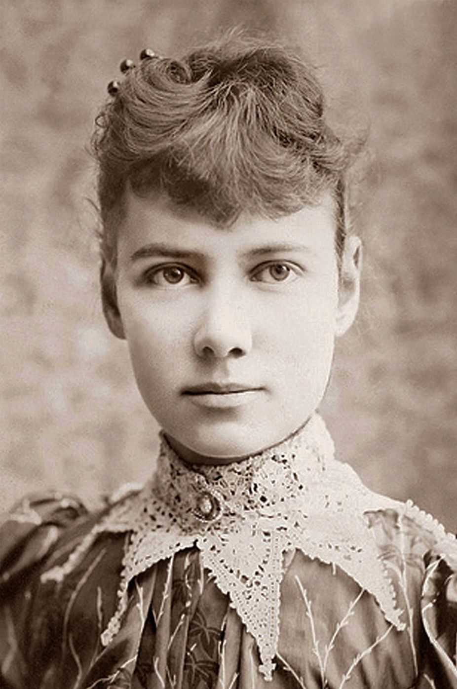Photo of Nellie Bly (black and white)